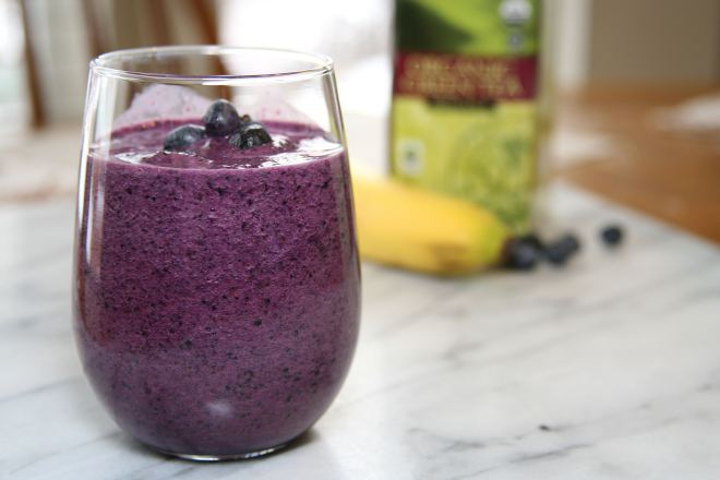 Blueberry-and-Green-tea-smoothie