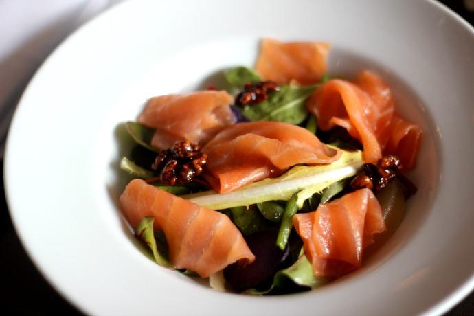 pestana_chelsea_bridge_hotel_lunch_salmon_salad