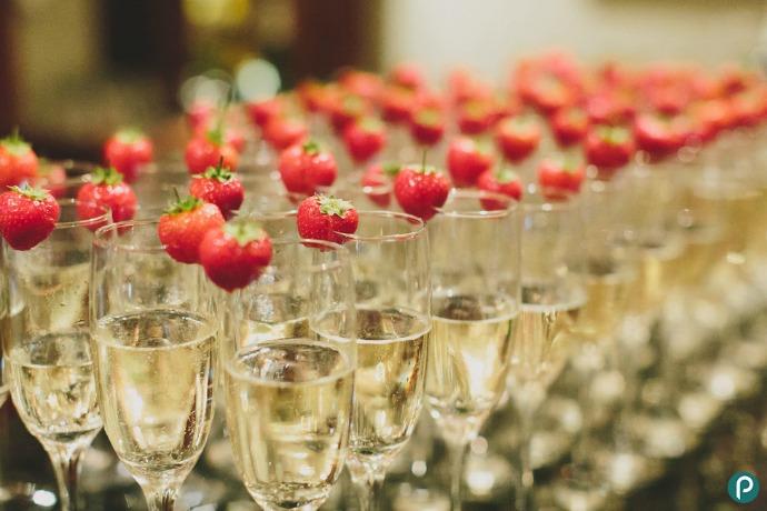 Wedding-champagne-drinks-reception