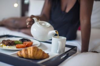 inside_bermondsey_square_hotel_vegeterian_breakfast