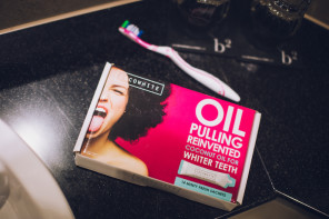 THE TEETH WHITING PRODUCT THAT THE CELEBS ARE LOVING – COCO WHITE